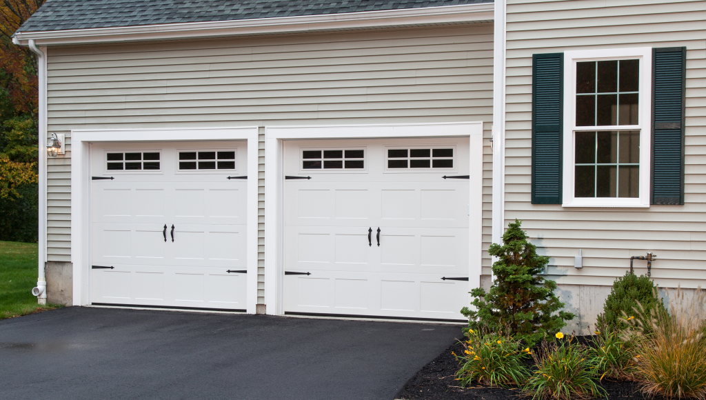 Haas 2000 Series Residential Garage Door